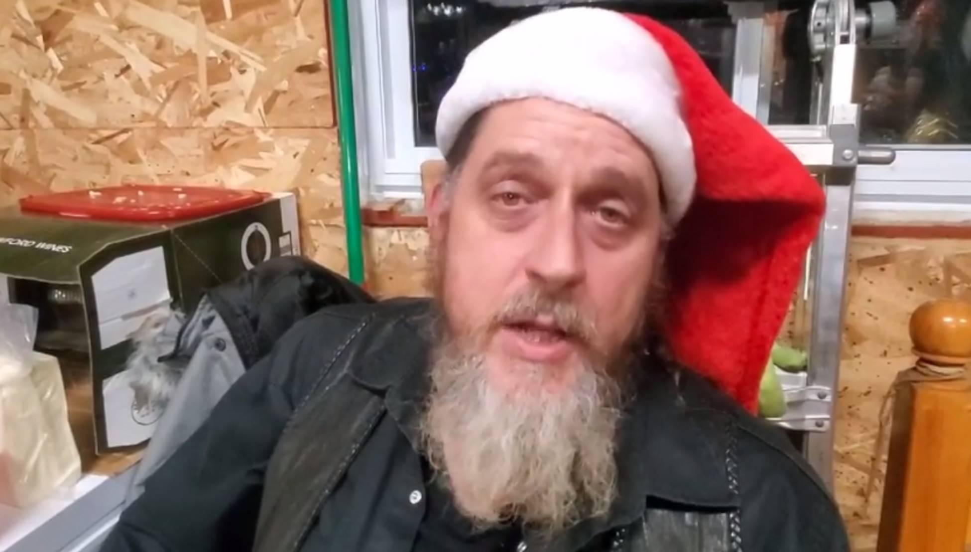 Les anti-masques se rassemblent pour Noël