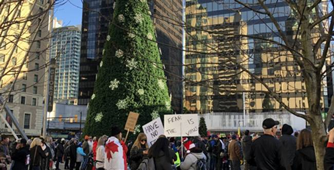 Anti-Maskers Gather for Christmas Protests Across Canada