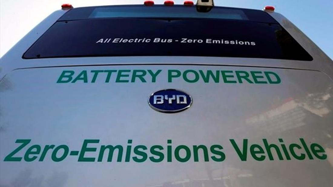 Transit lobby group says electrifying Canada's bus fleets needs $3 billion a year
