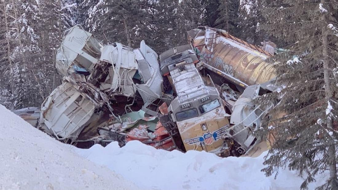 Nearly a year after union raises cover-up concerns, RCMP launch criminal probe into mountain rail crash