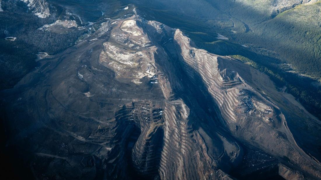 Alberta is planning new mountaintop-removal coal mines. Here's what that looks like