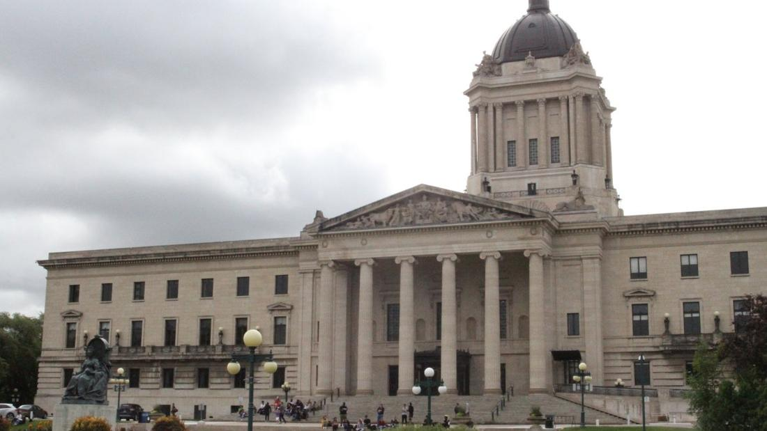 Manitoba bill would make it easier to fire striking workers, decertify a union