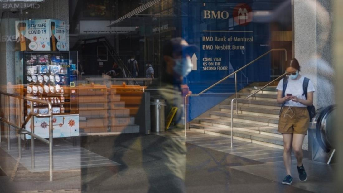 'Wild, wild west': No charges laid against 300 companies making false PPE claims