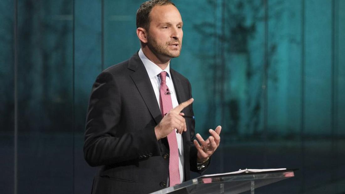 Facing tough survey results, Meili not ready to concede defeat