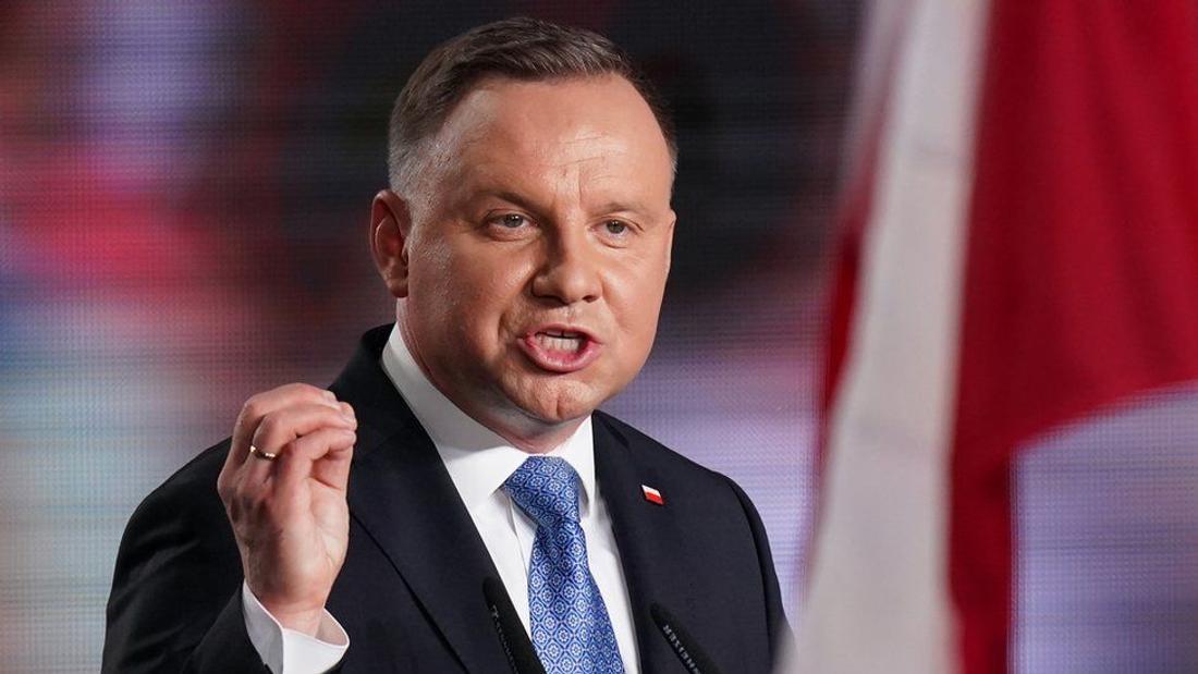 Polish writer Jakub Zulczyk charged for calling President Duda a 'moron'