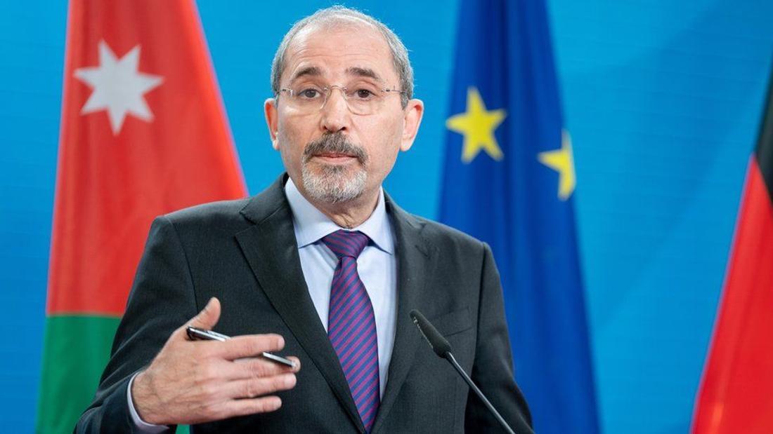 Jordan's Prince Hamzah vows to defy 'house arrest' orders