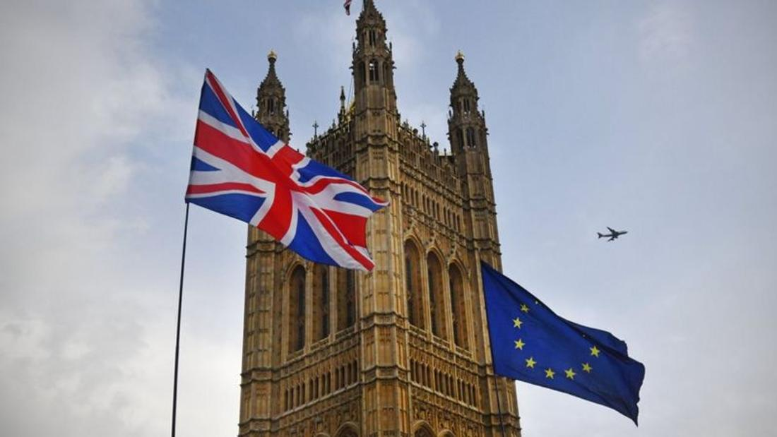 Brexit: UK 'ready to welcome EU' to continue trade talks