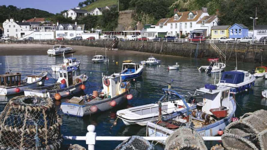 French fishers threaten to blockade Jersey ports as row escalates