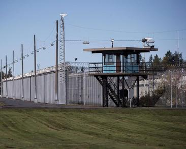 Federal prison service improperly listened to inmate calls with lawyers: auditors