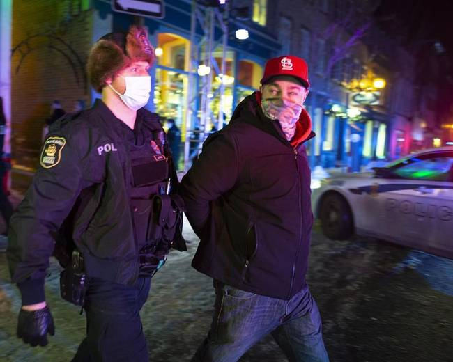 Quebec Solidaire raises curfew concern after reports of police fining homeless people