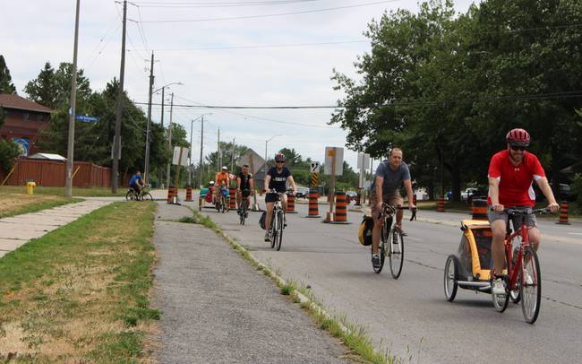 Momentum Building in Bells Corners: 500 Residents Petition for Bike Lane and Speed Reduction on Moodie Drive