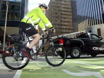 Urban councillors want federal cash for cycling, pedestrian infrastructure