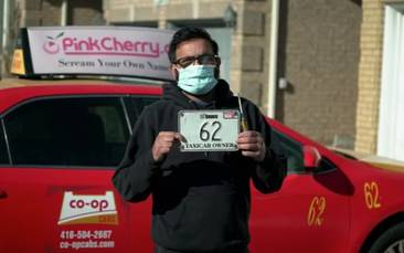 Pandemic, rising costs push a quarter of Toronto's taxi drivers off the road