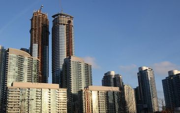 Coronavirus puts tenants back in charge of Toronto rental housing market