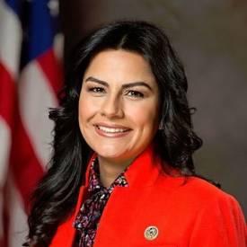 Nanette Barragán