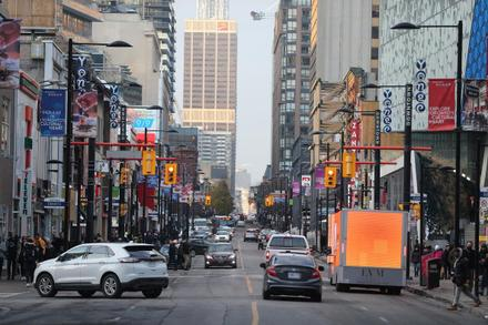 Give downtown Yonge St. to pedestrians